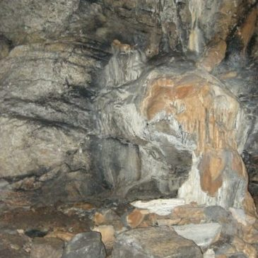 Kartallı Mağarası'nda yaşanan tahribat basında!